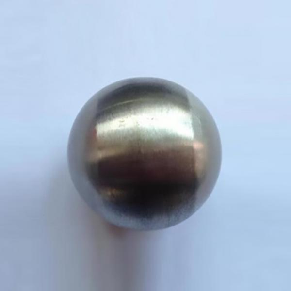 Steel in Base (2 Balls) by Leo Smetsers